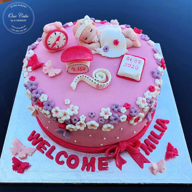 Welcome baby cake, reach and tasty flavour!
